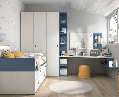 Chambre enfant avec lit gigogne et tiroirs, armoires à portes battantes et bureau avec étagères